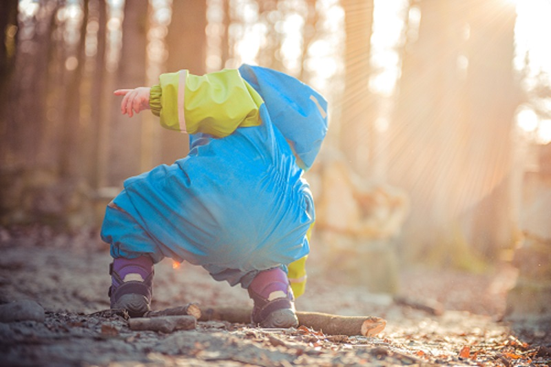 Take your kids outside for nature hour!